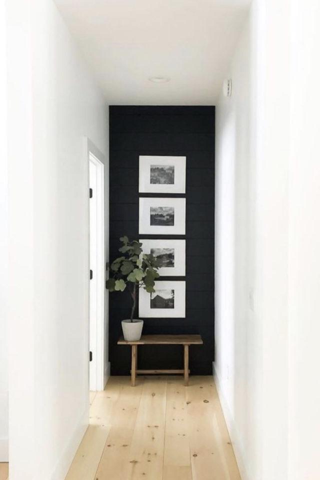 exemple couleur couloir longueur blanc et noir cadres petit banc en bois