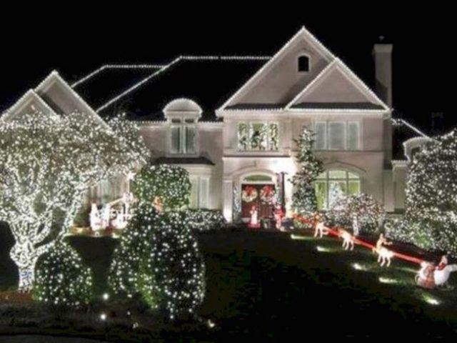 D corer les abords de votre maison pour les f tes cocon - Decorations exterieures de jardin ...