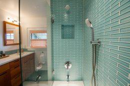 salle de bain ceramique carrelage vert