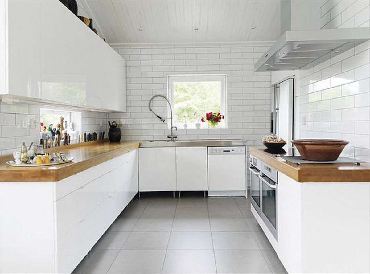 Idées déco] Du carrelage blanc et du bois dans la cuisine  Cocon