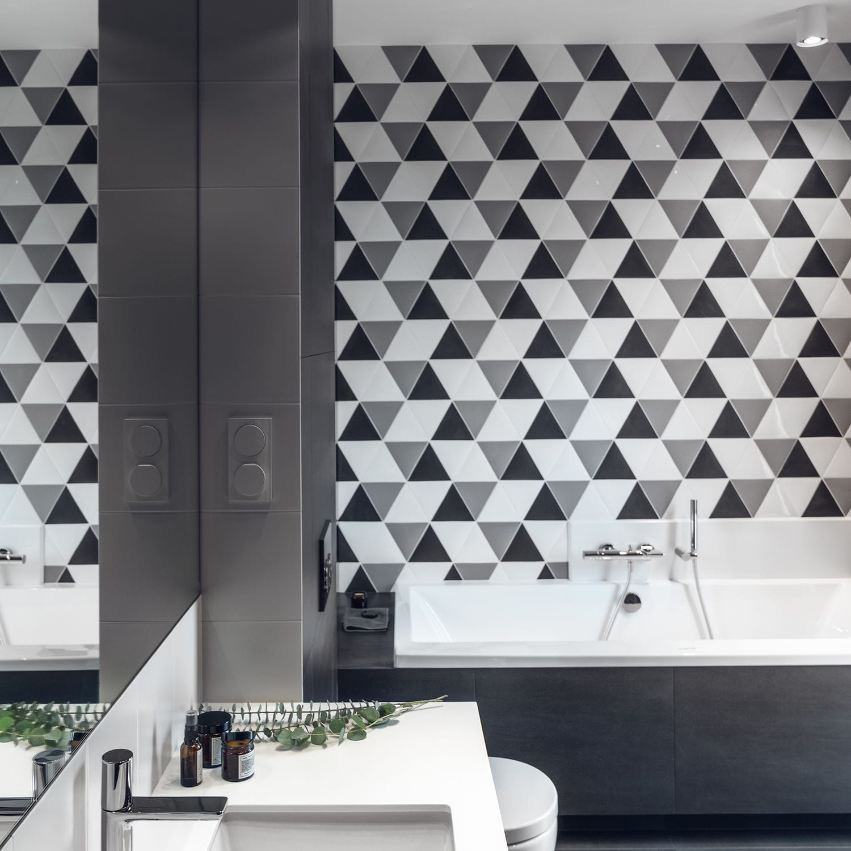 carrelage original salle de bain triangle