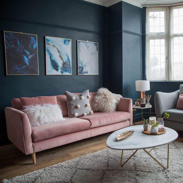salon rose et bleu nuit decoration chic et tendance