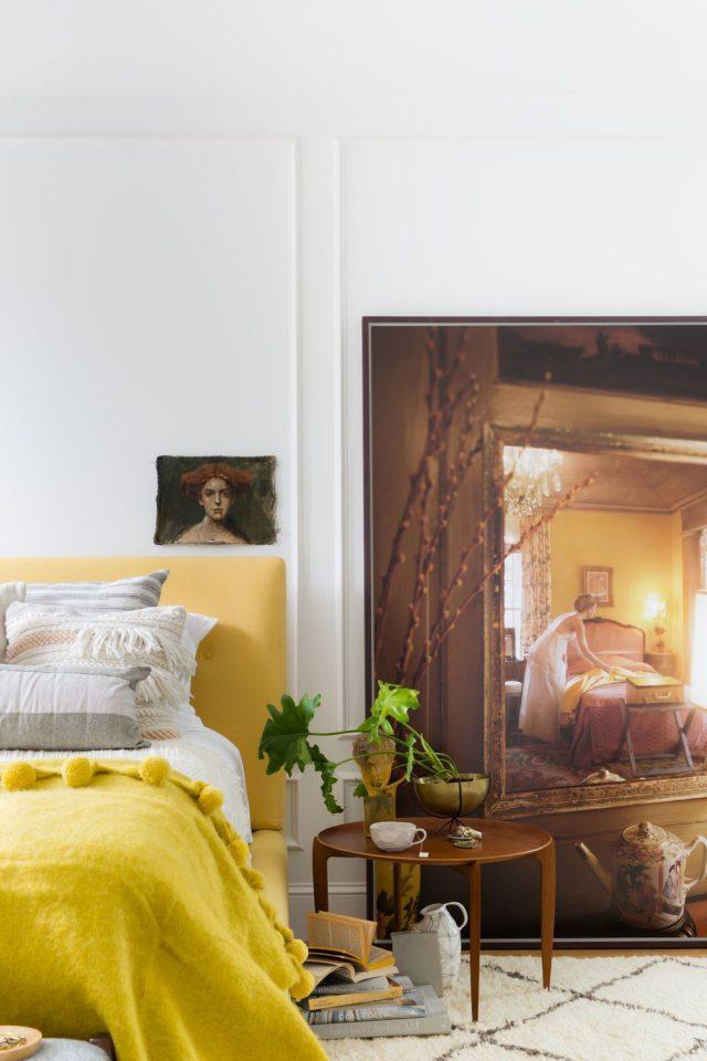 chambre jaune tete de lit couleur