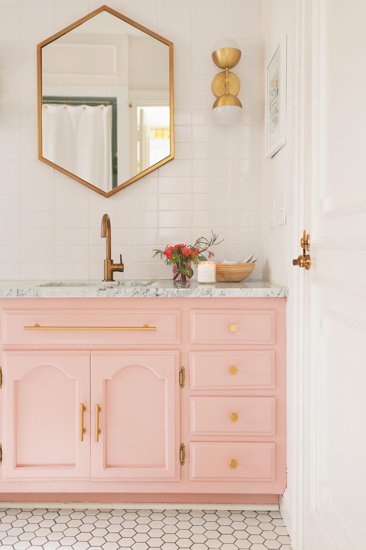 petite salle de bain mobilier pastel