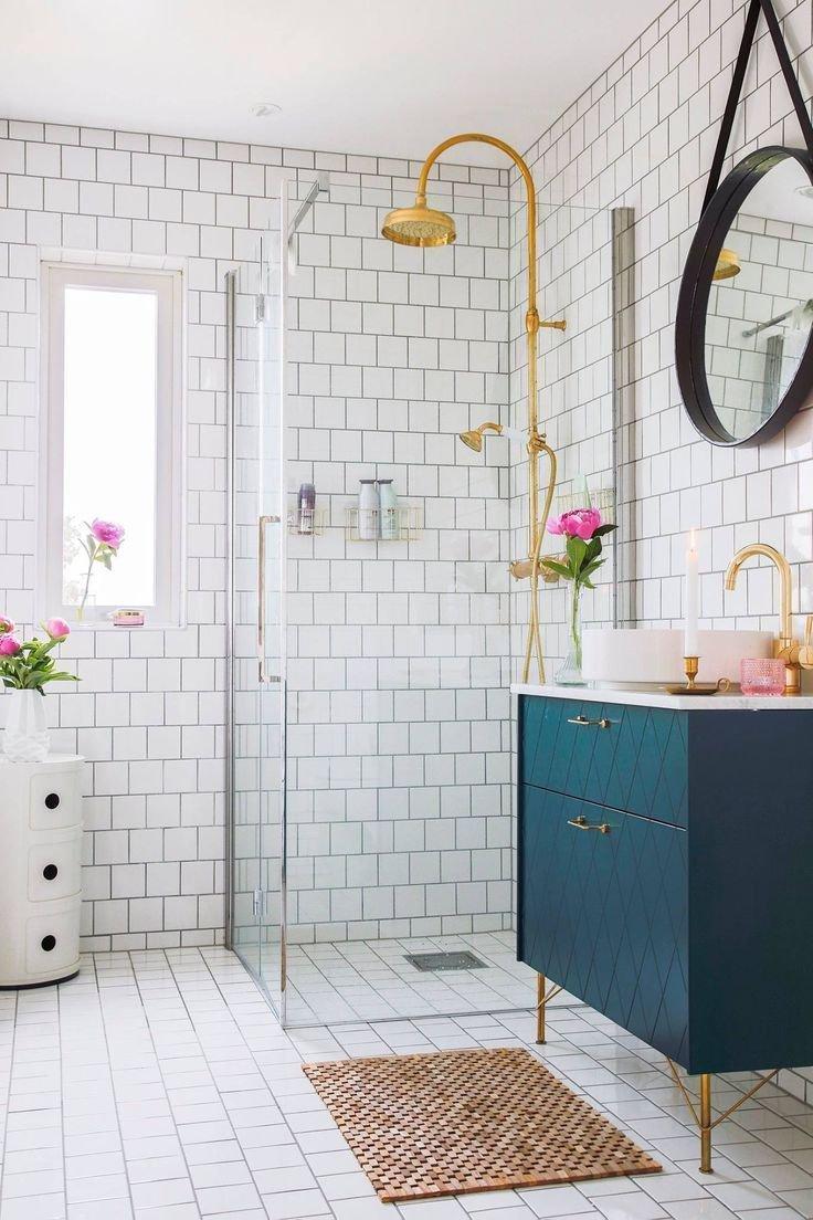tres petite salle de bain decoration contemporaine