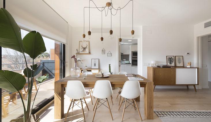 conseil choix table salle a manger moderne séjour ouvert bois rectangulaire